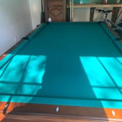 8ft. American Heritage Pool Table in Excellent condition Delivery and Installation Included