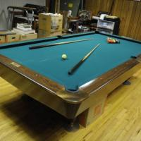 Brunswick Gold Crown III Package With Matching Light