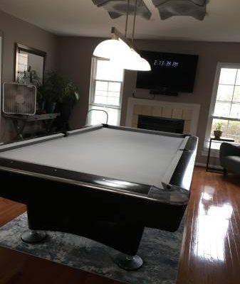 9ft Brunswick Gold Crown IV Pool Table